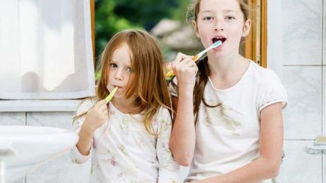 limpieza-dental-dientes-de-leche