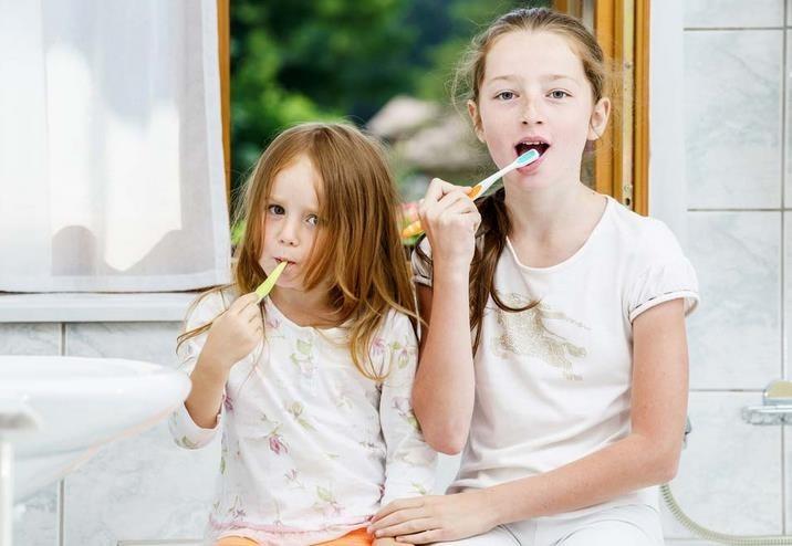 Consejos para limpiar los dientes de leche