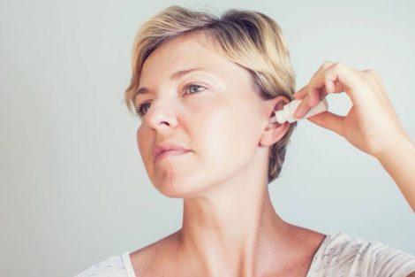 Cómo limpiar los oídos correctamente y paso a paso