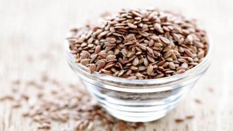 Macerar semillas de lino es útil contra el estreñimiento