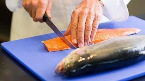 Mal olor a pescado en las manos