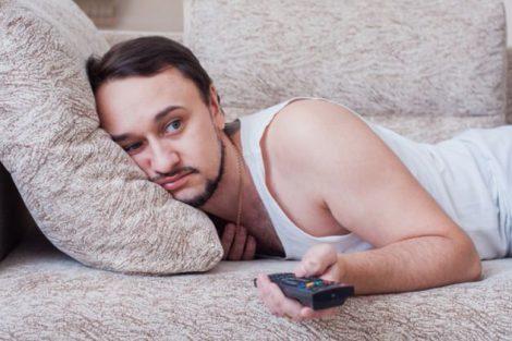 Cómo quitar el mal olor de sofás, sillones y sillas