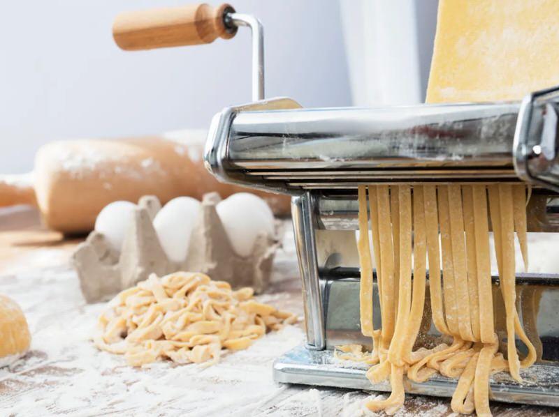 Máquina para hacer pasta fresca al huevo