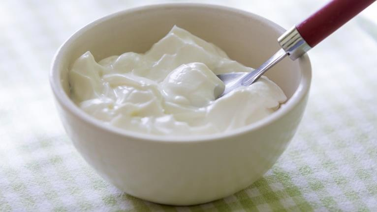 Mascarilla de yogur para cabellos secos