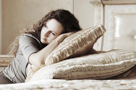 Tristeza o melancolía después del parto: por qué aparece y cómo superarla