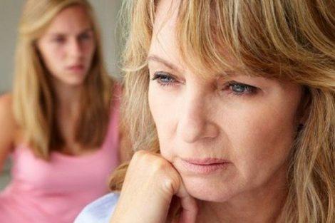 Por qué aparece la menopausia