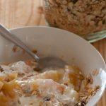 Cómo hacer un nutritivo muesli de manzana y semillas