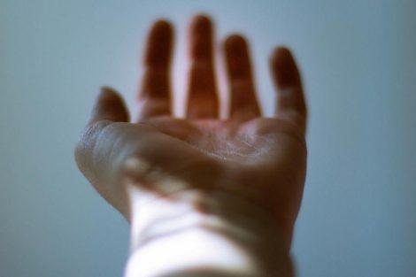 Muñeca abierta: síntomas, causas y tratamiento