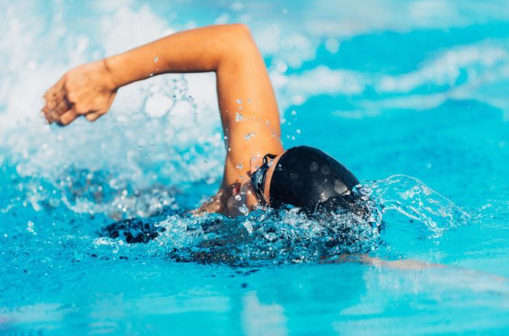 natacion-caderas