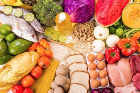Necesidades de carbohidratos, grasas, proteínas y fuentes principales