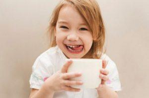 ¿Los niños pueden tomar café y té? Por qué no es aconsejable