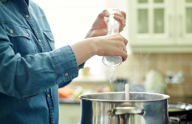 No añadir sal cuando cocinamos