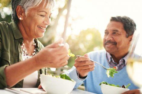 Alimentación y nutrición en la tercera edad: alimentos y consejos