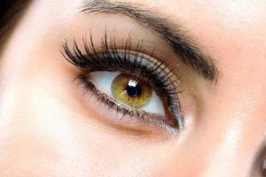 Consejos de maquillaje para que tus ojos y pestañas parezcan más grandes