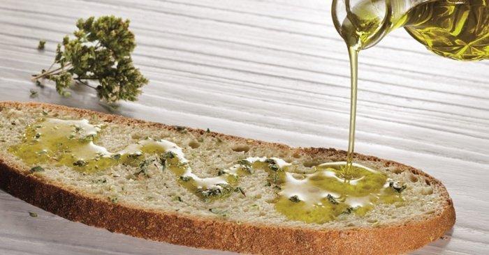 pan-con-aceite-de-oliva-virgen-extra