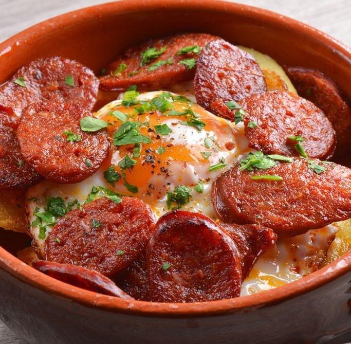 patatas-a-lo-pobre-con-chorizo