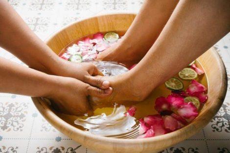Cómo suavizar los callos de los dedos con tratamientos naturales