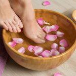 Pediluvios naturales para cuidar los pies