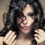 Cabello encrespado: Por qué se encrespa el pelo y cuáles son sus causas