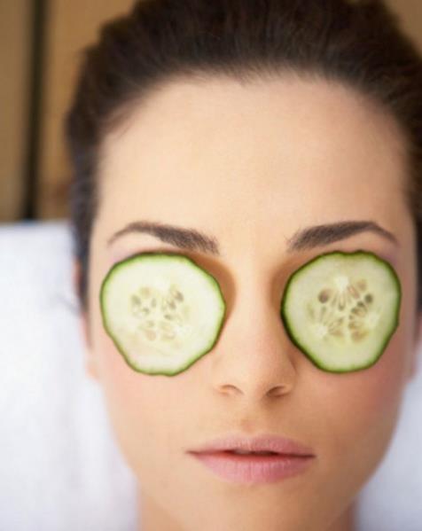 ¿Cuáles son las propiedades del pepino para los ojos?
