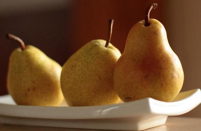 Beneficios de la pera para el bebé