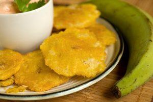 Plátanos verdes fritos: cómo hacer patacones o tostones fritos