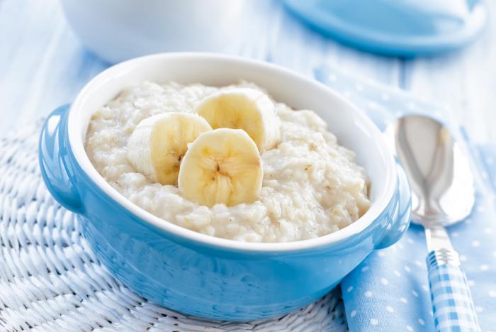 Porridge de avena con frutas