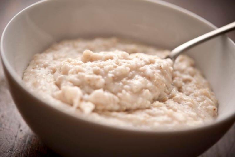 Cómo hacer porridge de avena al microondas