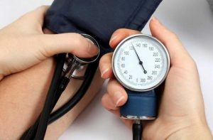Qué es la presión arterial y cómo medirla en casa fácilmente
