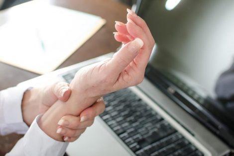 Cómo evitar el síndrome del túnel carpiano si trabajas con el ordenador