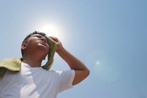 Primeros auxilios ante un golpe de calor: qué hacer y cómo actuar