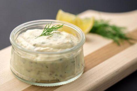 Alioli vegano: receta para chuparse los dedos sin huevo ni leche