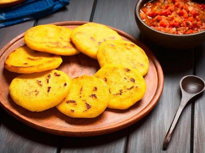 Cómo preparar unas arepas venezolanas