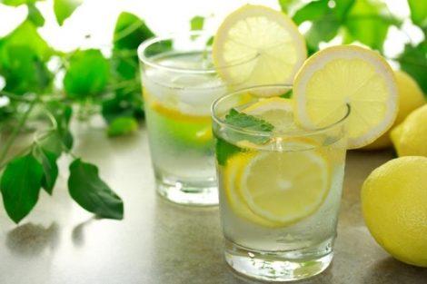 Cómo hacer una bebida isotónica casera: 2 recetas sencillas