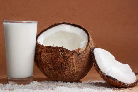 Cómo hacer leche de coco en casa: 2 recetas fáciles