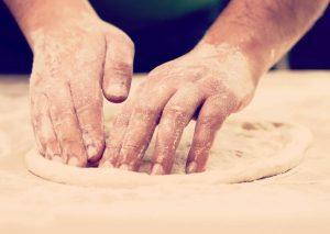 Cómo hacer una masa de pizza fácilmente y en pocos minutos