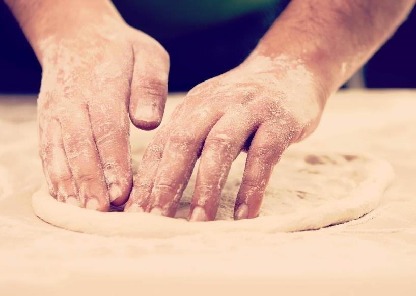 Cómo hacer una masa base para pizza