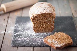 Cómo hacer un pan de cereales: receta sencilla