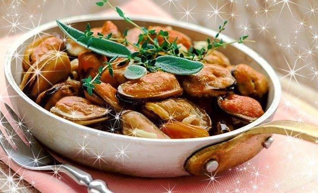 Platos con marisco para el menú de Fin de Año
