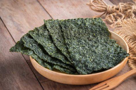 Cómo rehidratar algas para usarlas en la cocina