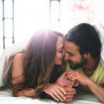 relacion-pareja-cama