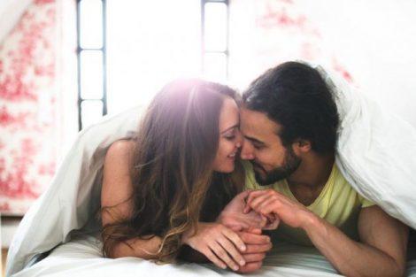 Cómo decirle a tu pareja lo que no te gusta en la cama