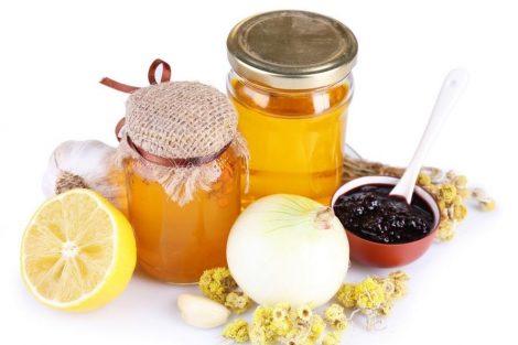 Remedio de ajo, cebolla y miel para curar gripes y resfriados