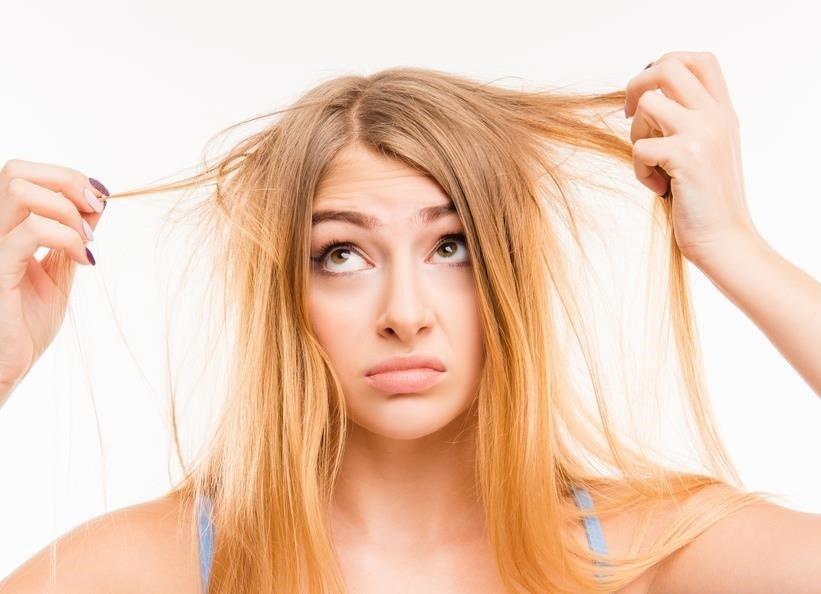 Cómo combatir la grasa del cabello con remedios caseros