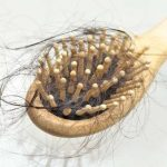 Cómo frenar la caída del cabello naturalmente: remedios útiles contra la calvicie