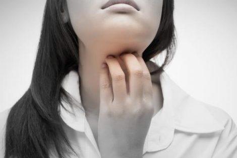 4 remedios naturales para mejorar la garganta irritada