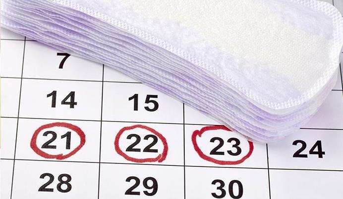 Las principales causas del retraso del periodo