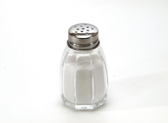 La sal no causa presión arterial alta, según un nuevo estudio