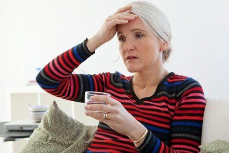 Infusión de salvia para calmar los sofocos de la menopausia