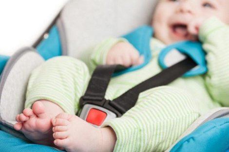 Bebé a bordo, ¿realmente viaja seguro? Cómo buscar la sillita de coche ideal